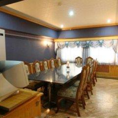 Отель 13 Coins Airport Minburi Бангкок в номере