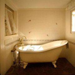 Отель Tioga Lodge at Mono Lake США, Ли Вайнинг - отзывы, цены и фото номеров - забронировать отель Tioga Lodge at Mono Lake онлайн ванная
