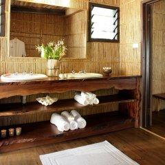 Отель Matangi Private Island Resort ванная