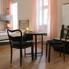 Отель Hostel Boudnik Чехия, Прага - 1 отзыв об отеле, цены и фото номеров - забронировать отель Hostel Boudnik онлайн комната для гостей фото 5