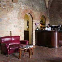 Отель La Cisterna Италия, Сан-Джиминьяно - 1 отзыв об отеле, цены и фото номеров - забронировать отель La Cisterna онлайн интерьер отеля