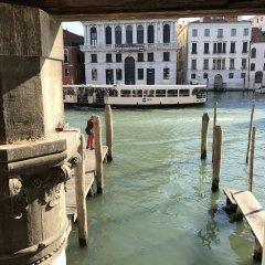Отель La Felice Canal Grande Италия, Венеция - отзывы, цены и фото номеров - забронировать отель La Felice Canal Grande онлайн приотельная территория фото 2