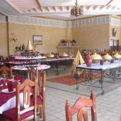 Отель Le Fint Марокко, Уарзазат - отзывы, цены и фото номеров - забронировать отель Le Fint онлайн питание фото 3