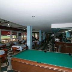 Отель Costa de Ajo Испания, Лианьо - отзывы, цены и фото номеров - забронировать отель Costa de Ajo онлайн гостиничный бар