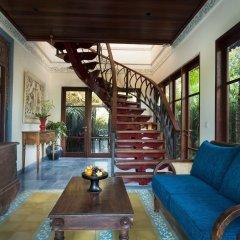 Отель Dwaraka The Royal Villas интерьер отеля