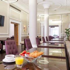 Отель Fraser Suites Queens Gate Великобритания, Лондон - отзывы, цены и фото номеров - забронировать отель Fraser Suites Queens Gate онлайн гостиничный бар