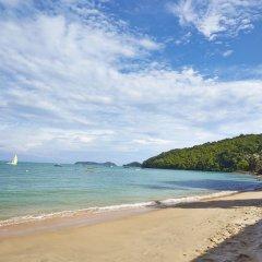 Отель Bandara Phuket Beach Resort пляж фото 4