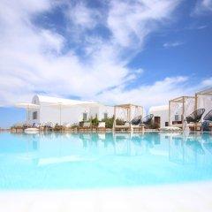 Astro Palace Hotel & Suites бассейн