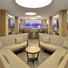 Отель Alua Hawaii Ibiza Испания, Сан-Антони-де-Портмань - отзывы, цены и фото номеров - забронировать отель Alua Hawaii Ibiza онлайн интерьер отеля фото 2