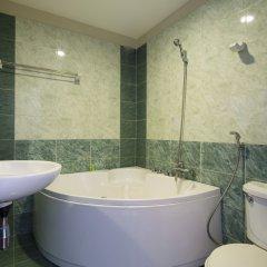Отель Brandi Nha Trang Hotel Вьетнам, Нячанг - 1 отзыв об отеле, цены и фото номеров - забронировать отель Brandi Nha Trang Hotel онлайн ванная фото 2