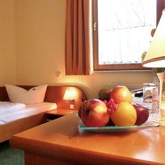 Отель Landhotel Dresden в номере