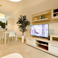 Отель Luxury Apartment With Pool Мальта, Слима - отзывы, цены и фото номеров - забронировать отель Luxury Apartment With Pool онлайн комната для гостей фото 5