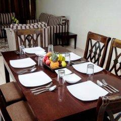 Отель Arabian Dreams Deluxe Hotel Apartments ОАЭ, Дубай - отзывы, цены и фото номеров - забронировать отель Arabian Dreams Deluxe Hotel Apartments онлайн питание фото 2