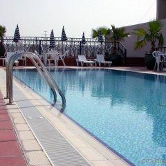 Отель Winchester Grand Hotel Apartments ОАЭ, Дубай - отзывы, цены и фото номеров - забронировать отель Winchester Grand Hotel Apartments онлайн бассейн фото 3