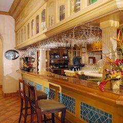 Embassy Suites Hotel Milpitas-Silicon Valley гостиничный бар