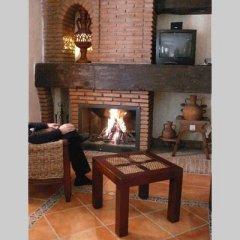 Отель La Higuera Испания, Гуэхар-Сьерра - отзывы, цены и фото номеров - забронировать отель La Higuera онлайн интерьер отеля фото 2