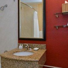Отель Courtyard New York LaGuardia Airport США, Нью-Йорк - отзывы, цены и фото номеров - забронировать отель Courtyard New York LaGuardia Airport онлайн ванная фото 2