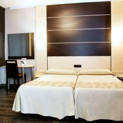 Отель Universal комната для гостей