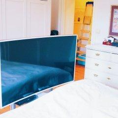 Апартаменты Beautiful, Artistic, Heirloom Apartment Стокгольм удобства в номере фото 2
