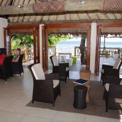 Отель Treasure Island Resort гостиничный бар