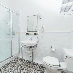 Отель Sherlock Art Hotel Латвия, Рига - отзывы, цены и фото номеров - забронировать отель Sherlock Art Hotel онлайн ванная фото 2
