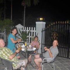 Отель Tra Que Riverside Homestay бассейн
