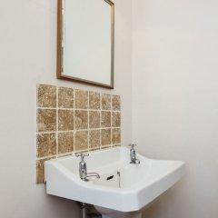 Отель Veeve - Big Oakfield House Великобритания, Лондон - отзывы, цены и фото номеров - забронировать отель Veeve - Big Oakfield House онлайн ванная фото 2