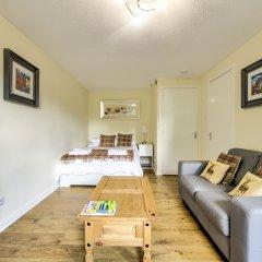 Отель Stunning Studio Apartment Castle View Великобритания, Эдинбург - отзывы, цены и фото номеров - забронировать отель Stunning Studio Apartment Castle View онлайн комната для гостей фото 4