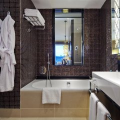 Отель Hilton Baku Азербайджан, Баку - 13 отзывов об отеле, цены и фото номеров - забронировать отель Hilton Baku онлайн ванная