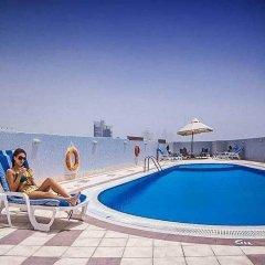 Отель Upscale Suite With Pool And Wellness 1 Bedroom Apts ОАЭ, Дубай - отзывы, цены и фото номеров - забронировать отель Upscale Suite With Pool And Wellness 1 Bedroom Apts онлайн бассейн