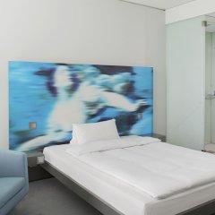 Отель INNSIDE by Meliá München Parkstadt Schwabing Германия, Мюнхен - отзывы, цены и фото номеров - забронировать отель INNSIDE by Meliá München Parkstadt Schwabing онлайн комната для гостей