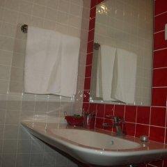 Отель Alcides Португалия, Понта-Делгада - отзывы, цены и фото номеров - забронировать отель Alcides онлайн ванная