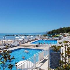 Отель White Lagoon - All Inclusive Болгария, Балчик - отзывы, цены и фото номеров - забронировать отель White Lagoon - All Inclusive онлайн бассейн фото 2