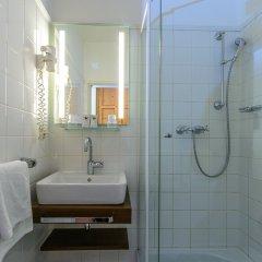 Отель Gasthof Auerhahn Австрия, Зальцбург - отзывы, цены и фото номеров - забронировать отель Gasthof Auerhahn онлайн ванная