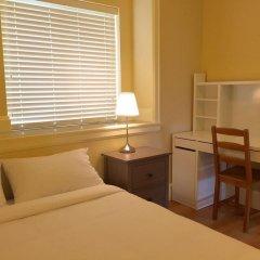 Отель Lily's Guesthouse Канада, Бурнаби - отзывы, цены и фото номеров - забронировать отель Lily's Guesthouse онлайн комната для гостей
