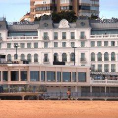 Отель Gran Hotel Sardinero Испания, Сантандер - отзывы, цены и фото номеров - забронировать отель Gran Hotel Sardinero онлайн пляж