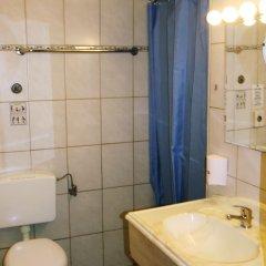 Отель The Penny Pincher Inn - Hostel Германия, Кёльн - отзывы, цены и фото номеров - забронировать отель The Penny Pincher Inn - Hostel онлайн ванная фото 3