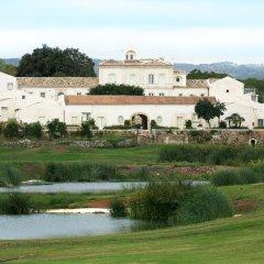 Отель I Monasteri Golf Resort Сиракуза приотельная территория