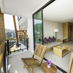 Отель The Lunar Patong балкон