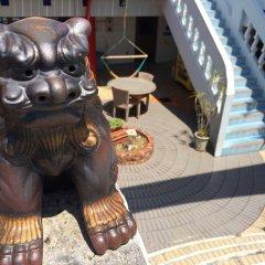 Отель Surfside Bed & Breakfast Центр Окинавы спортивное сооружение