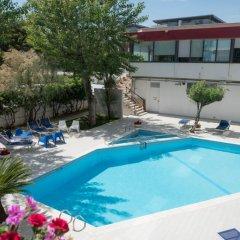 Отель Grand Hotel Adriatico Италия, Монтезильвано - отзывы, цены и фото номеров - забронировать отель Grand Hotel Adriatico онлайн бассейн фото 3