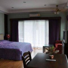 Апартаменты Hill Top Sweet Serviced Apartment Паттайя комната для гостей фото 3
