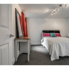 Отель Bright, Spacious 1BR Chorlton Apt for 2 W/patio Великобритания, Манчестер - отзывы, цены и фото номеров - забронировать отель Bright, Spacious 1BR Chorlton Apt for 2 W/patio онлайн комната для гостей