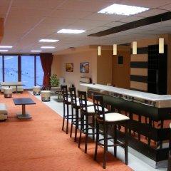 Отель Iceberg Pamporovo Пампорово гостиничный бар
