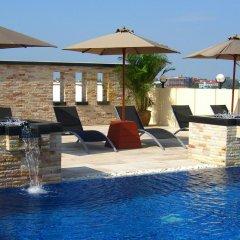 Отель Amari Nova Suites бассейн фото 2