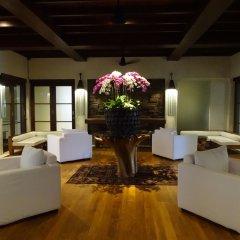 Ubud Village Hotel интерьер отеля