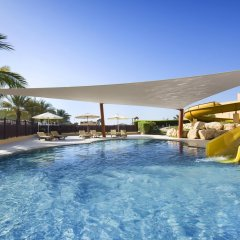 Отель Hilton Ras Al Khaimah Resort & Spa бассейн