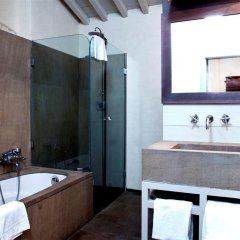 Отель J and J ванная