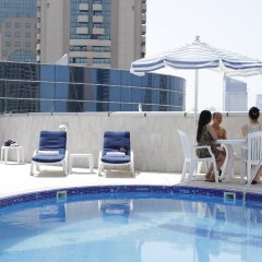 Legacy Hotel Apartments бассейн