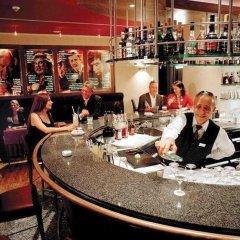 Отель Le Meridien Dom Hotel Германия, Кёльн - 8 отзывов об отеле, цены и фото номеров - забронировать отель Le Meridien Dom Hotel онлайн гостиничный бар